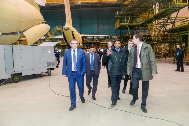 Делегации Минобороны Индии продемонстрировали Ил-76МД-90А и Ил-78МК-90А в Ульяновске самолетов, Индии, самолета, «Рособоронэкспорт», Ил7678, обороны, обеспечивает, обслуживания, авиации, транспортной, обнаружения, новейших, летающего, радиолокационного, дальнего, техники, требованиям, возможности, числе, стоимость