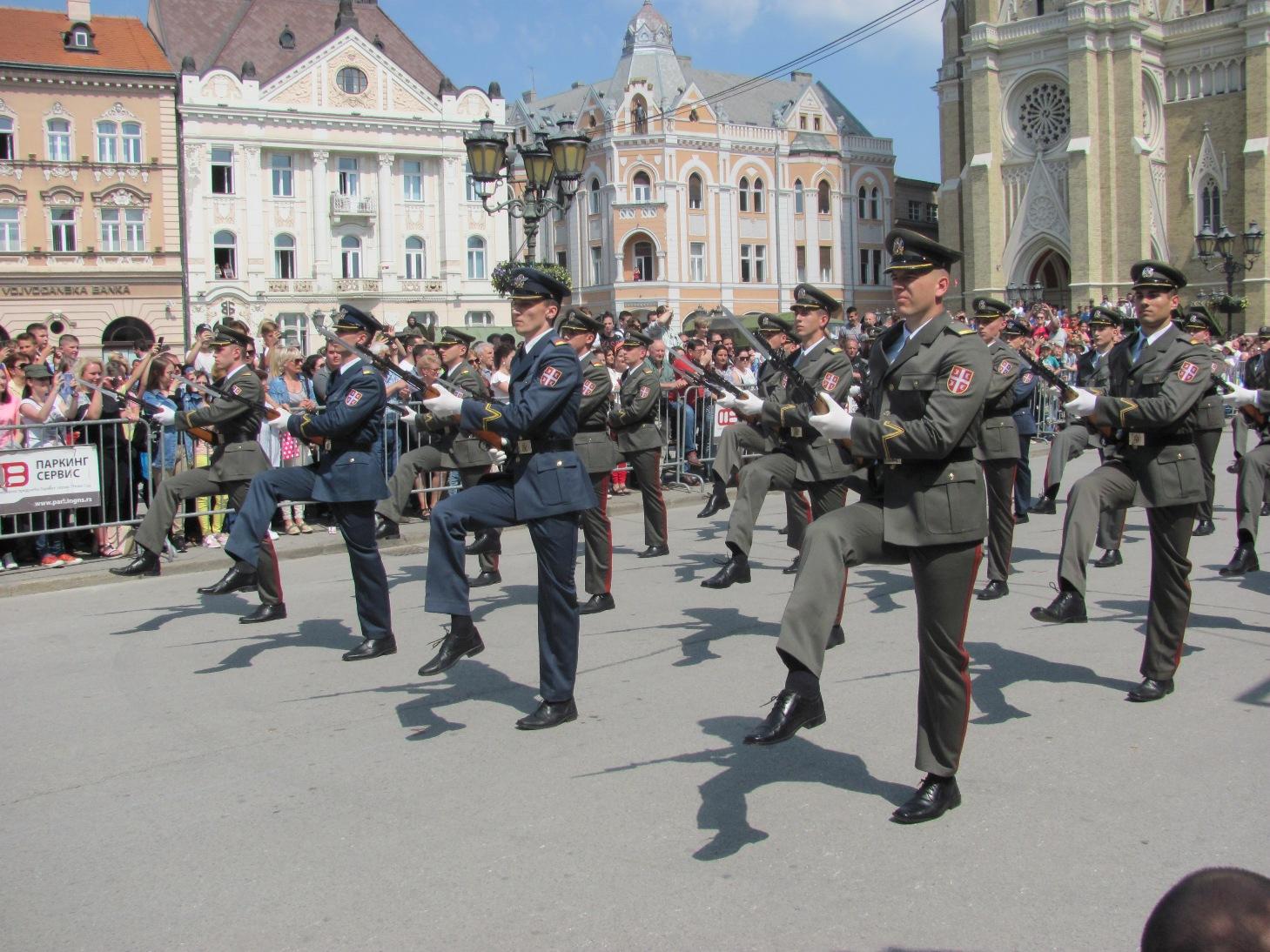 Празднование Дня вооруженных сил в Сербии