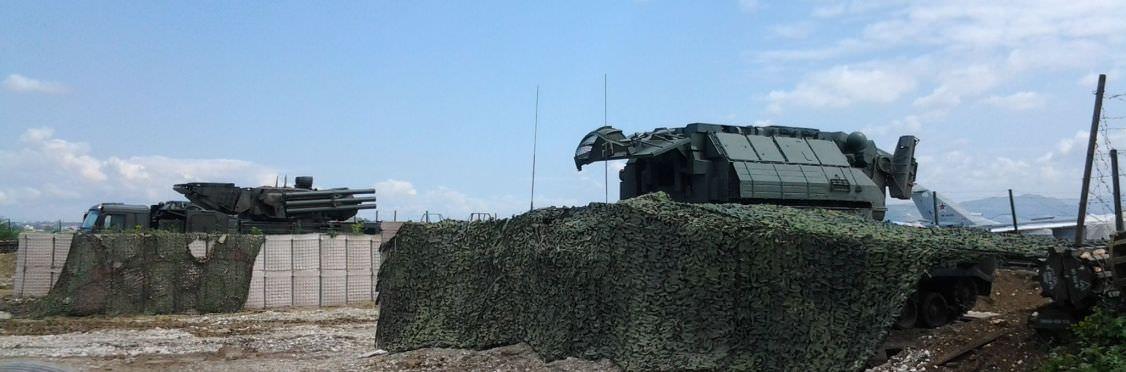 """Российский зенитный ракетный комплекс """"Тор-М2"""" на авиабазе Хмеймим"""