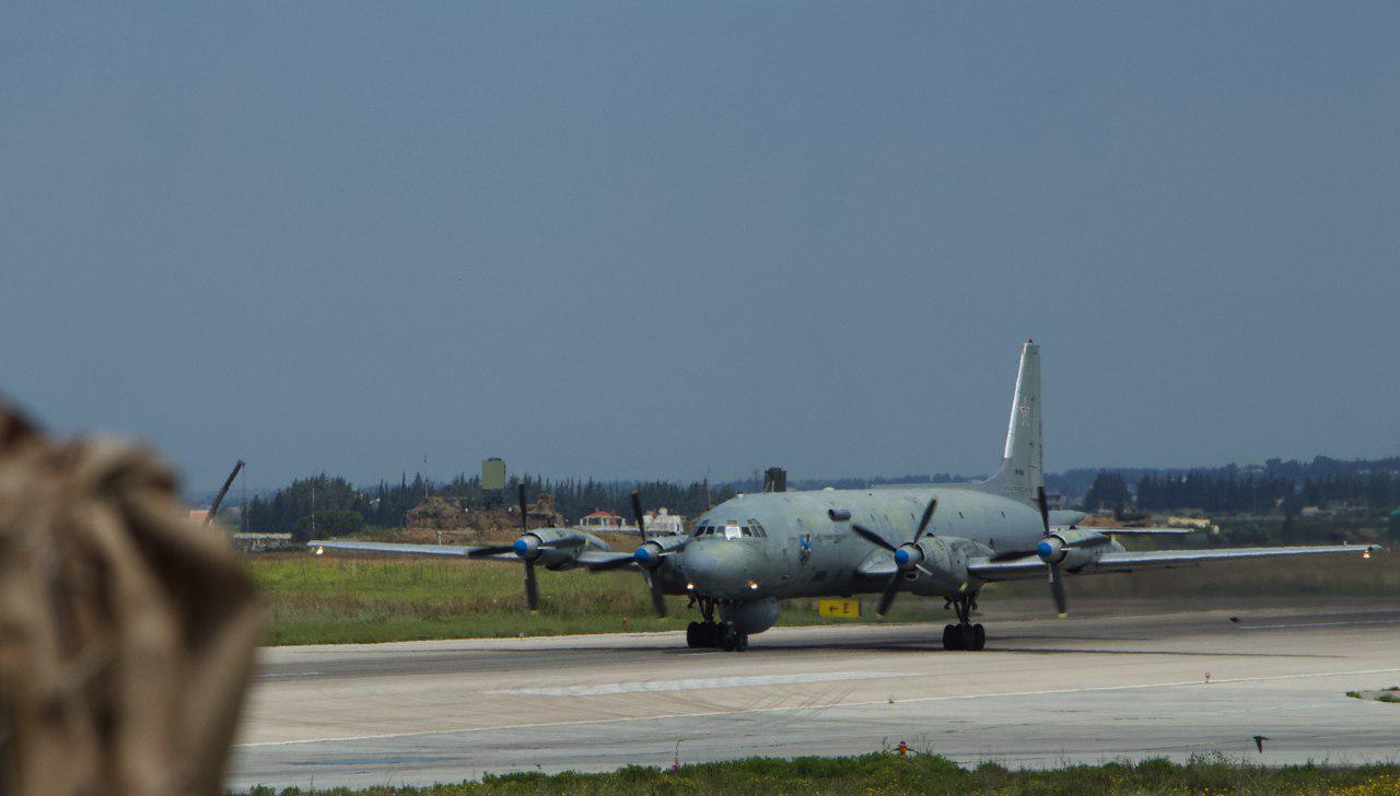 Самолеты Морской авиации ВМФ России на аэродроме Хмеймим