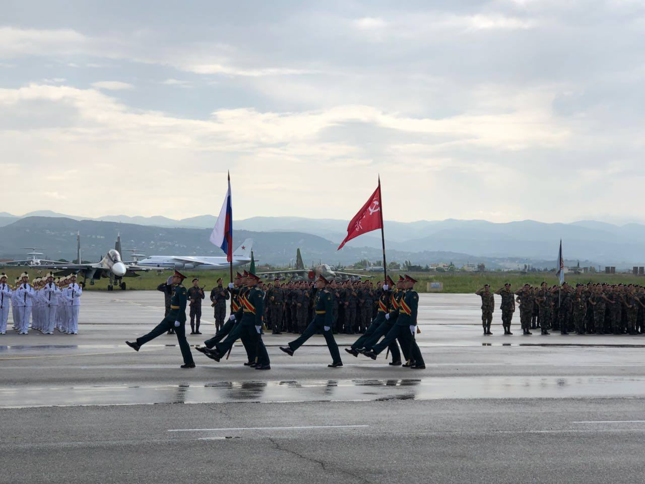Парад Победы на авиабазе Хмеймим 9 мая 2018 года