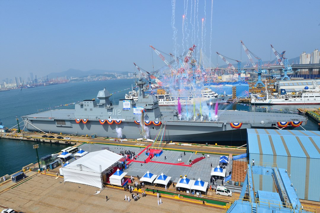 South_Koreas_HHIC_Launched_V-22_Capable_LPH_Marado_for_ROK_Navy_1