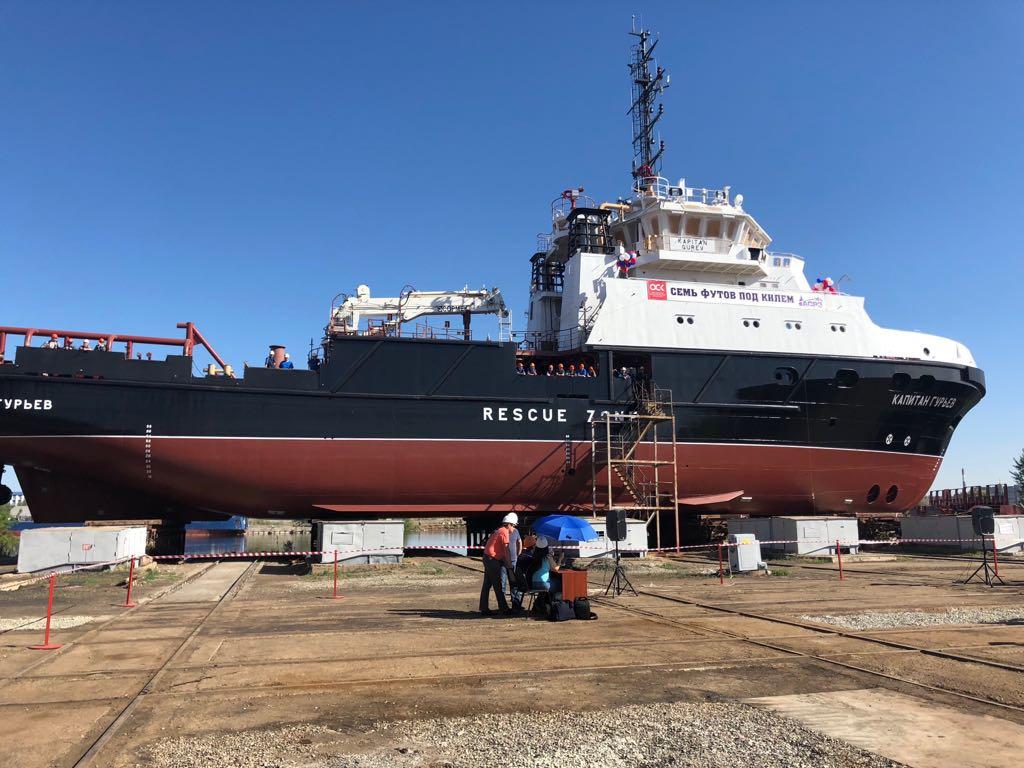 В Астрахани спущено на воду спасательно-буксирное судно «Капитан Гурьев» проекта 22870