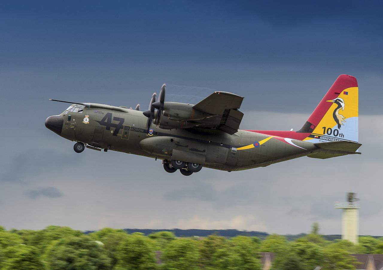 Бангладеш приобретает два военно-транспортных самолета С-130J в Великобритании