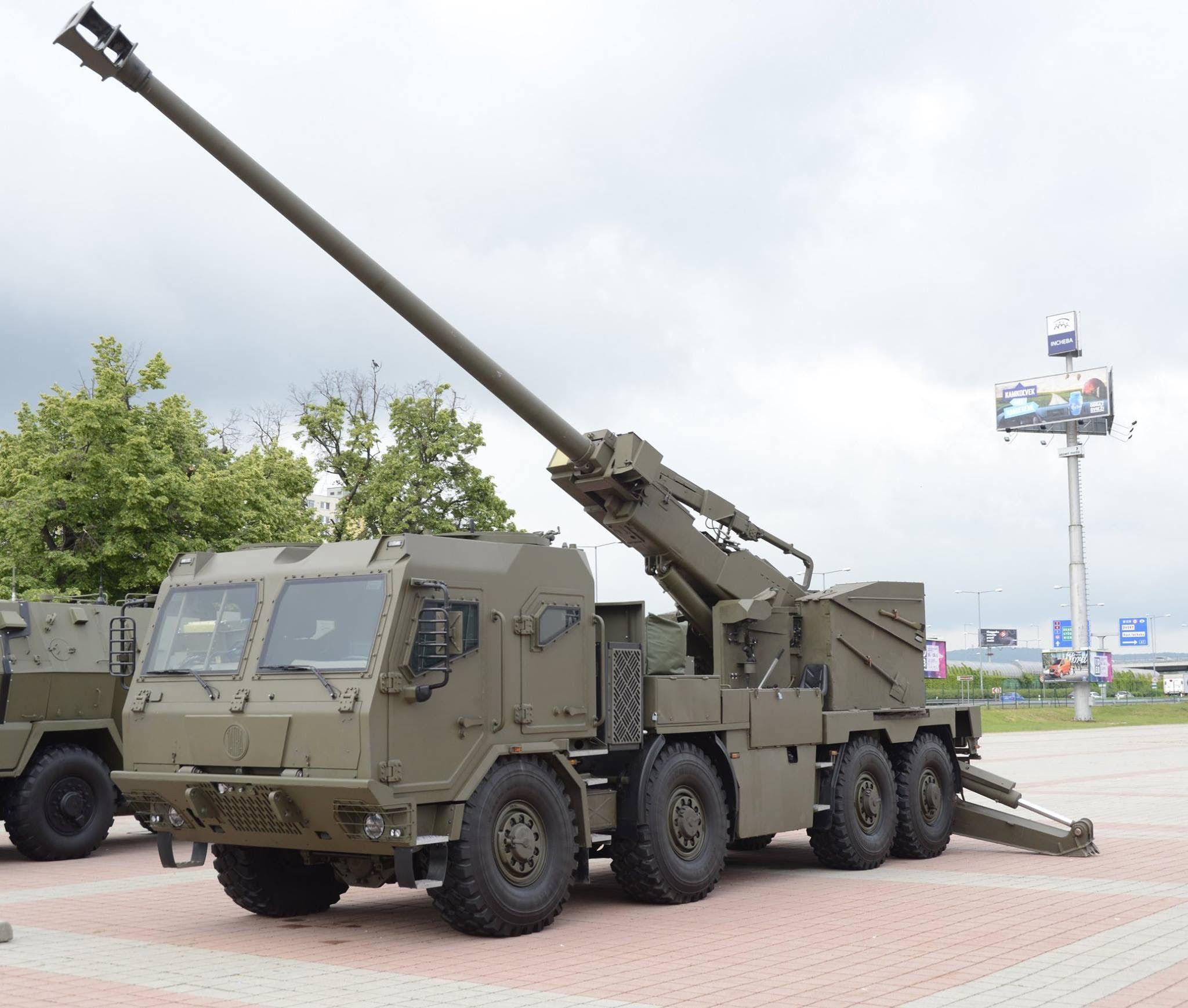 ideb-2018-new-czecho-slovak-eva-8x8-155-mm-truck-mounted-howitzer