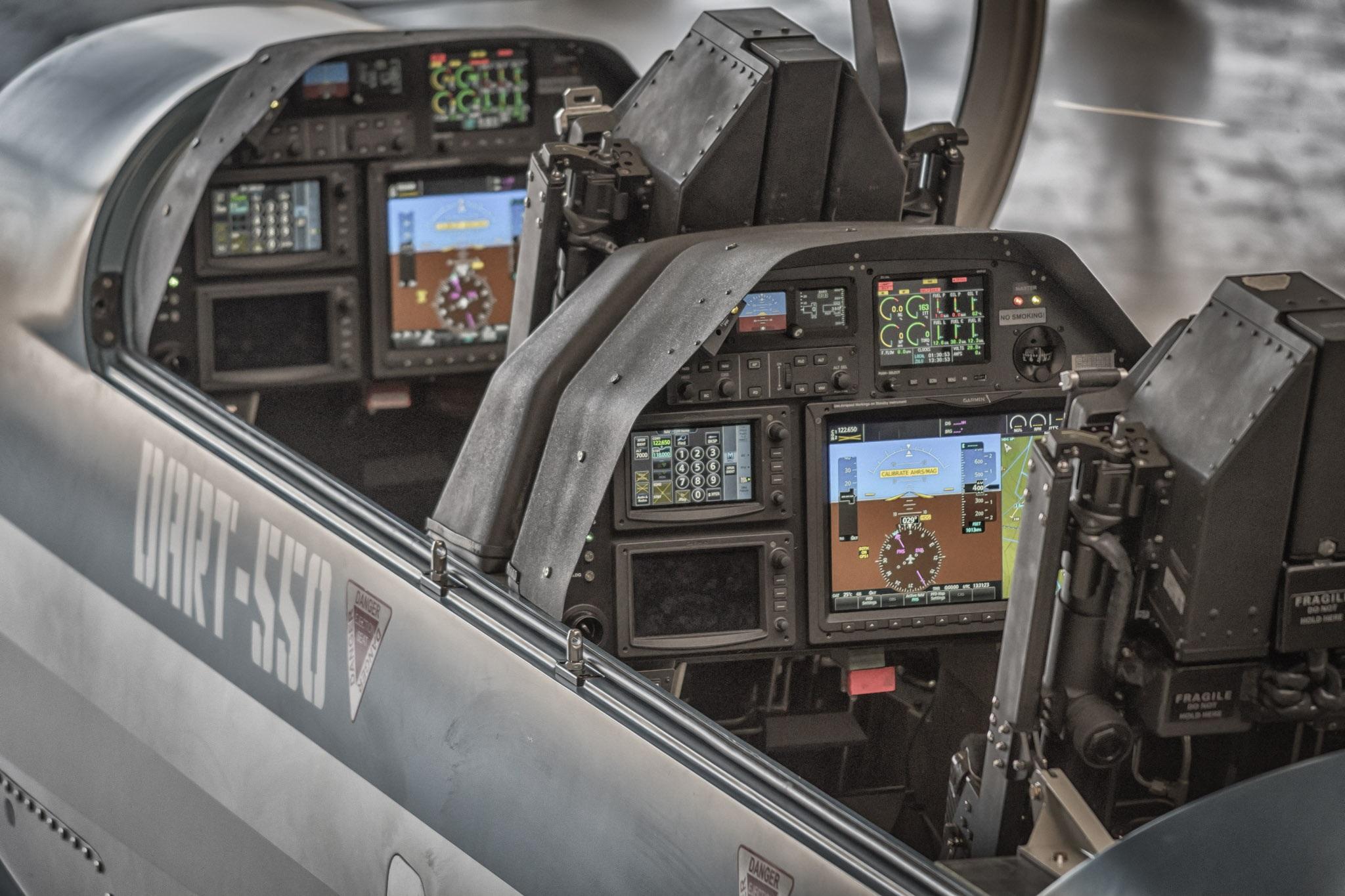 DART-550_Cockpit