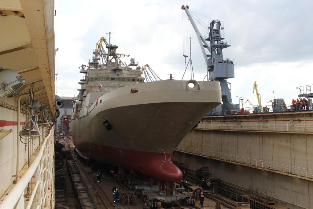 Спущен на воду большой десантный корабль «Пётр Моргунов»