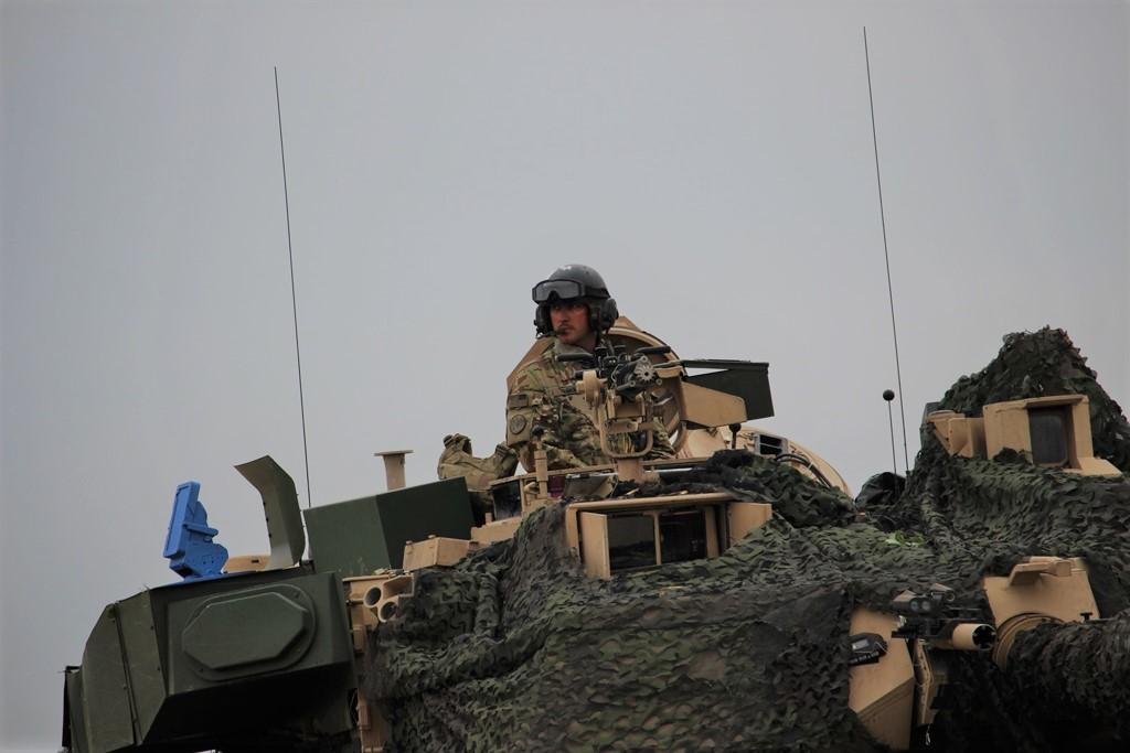 Американские танки М1А2 Abrams с комплексом активной защиты Trophy уже в Европе d36a88340d6190f6319520ae8d71beb0IMG_8816