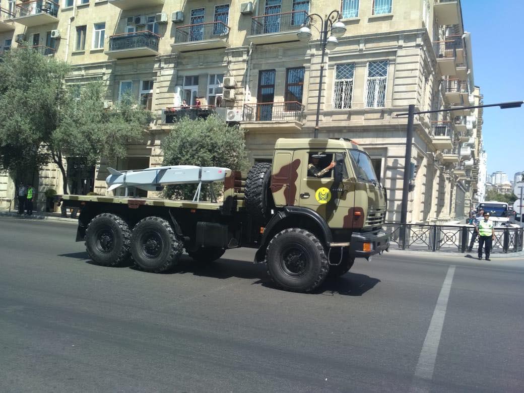 Азербайджан приобрел турецкие авиационные крылатые ракеты SOM