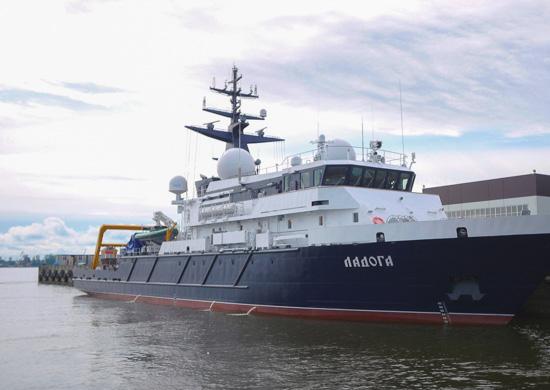 Опытовое судно «Ладога» проекта 11982 вышло на заводские ходовые испытания