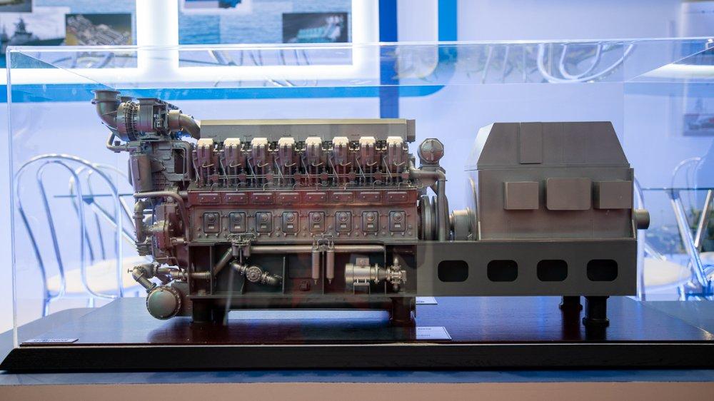 Коломенский завод показал новый судовой дизельный двигатель 16СД500