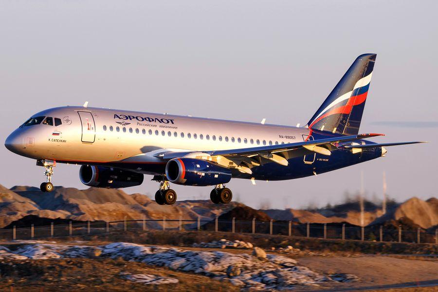 Sukhoi-Superjet-100-95B-Aeroflot-HEL