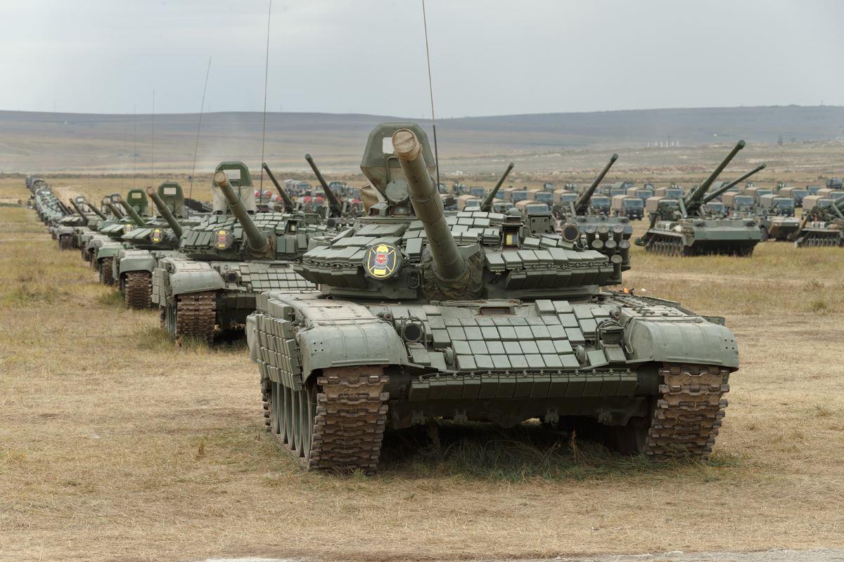 Смотр вооружения и военной техники Вооруженных Сил России и НОАК на полигоне Цугол