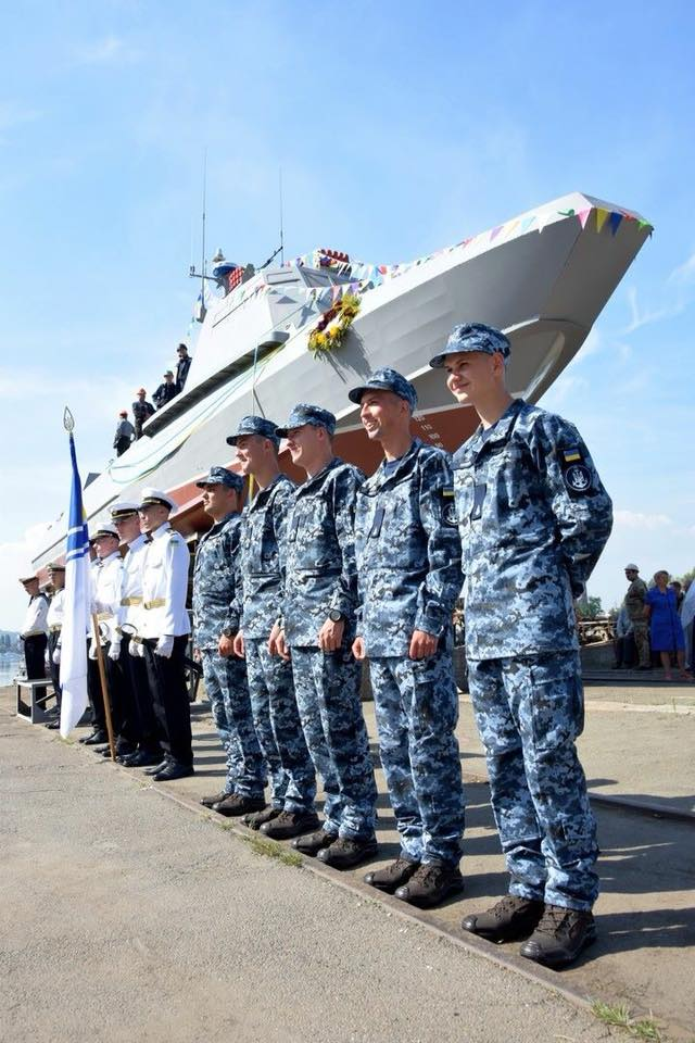 Спущен на воду головной украинский десантно-штурмовой катер проекта 58503