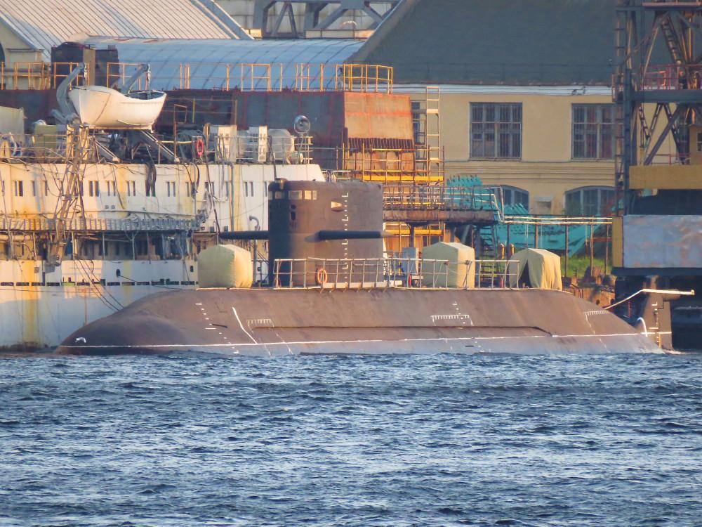 Для ВМФ России планируется постройка 12 подводных лодок проекта 677