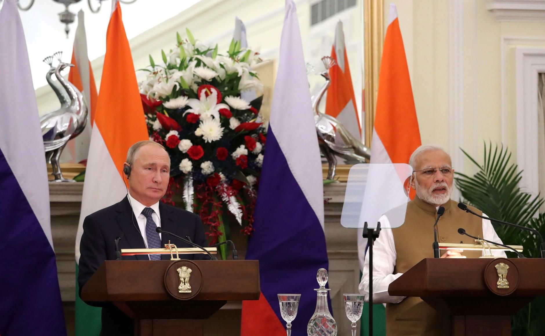 Подписан контракт на поставку зенитной ракетной системы С-400 в Индию