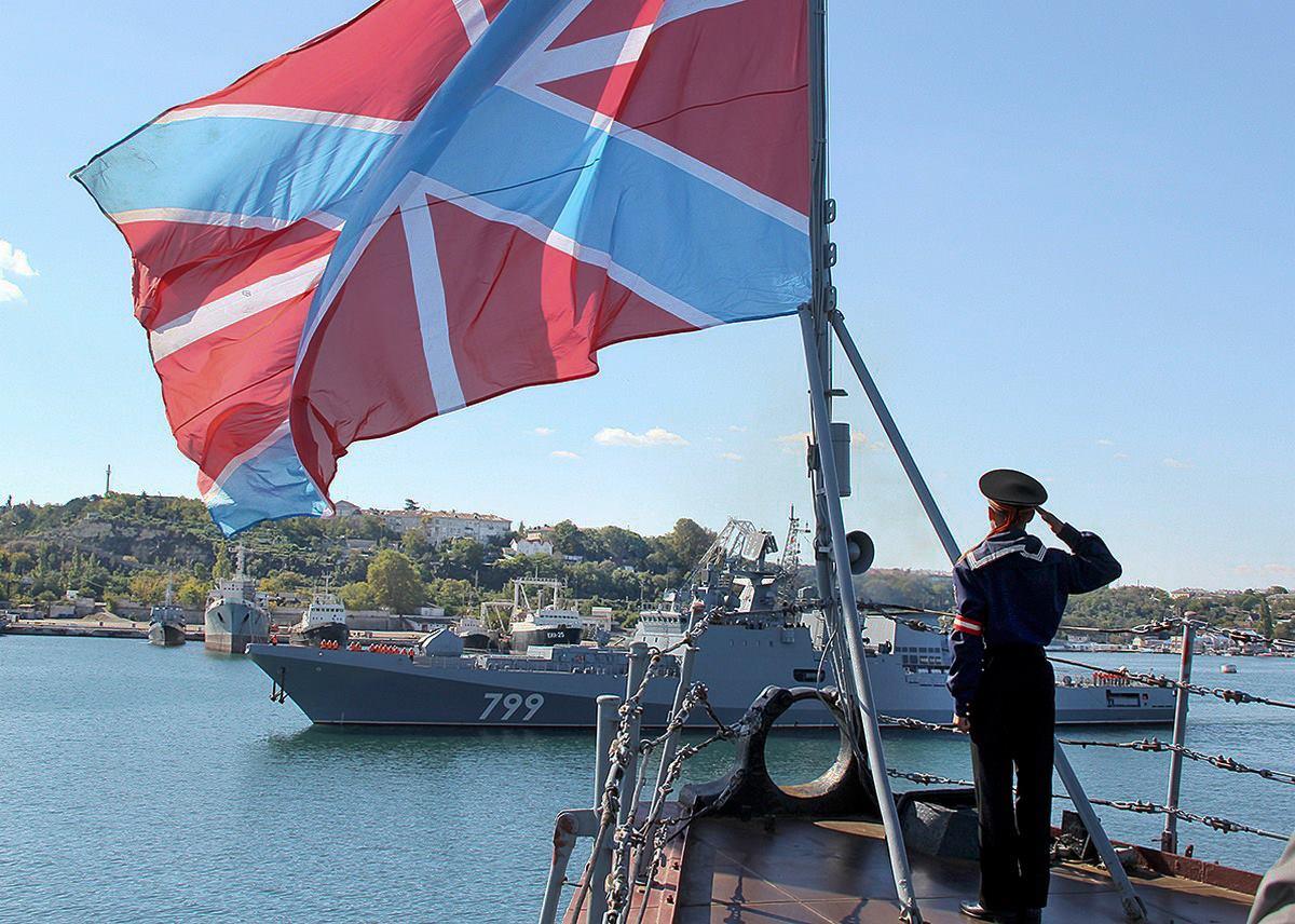 Фрегат «Адмирал Макаров» прибыл к месту базирования в Севастополь