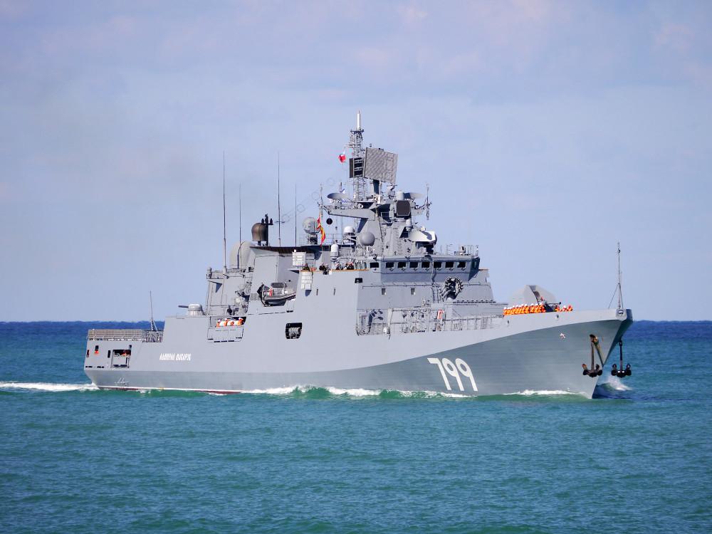 05-6736885-admiral-makarov-02-big