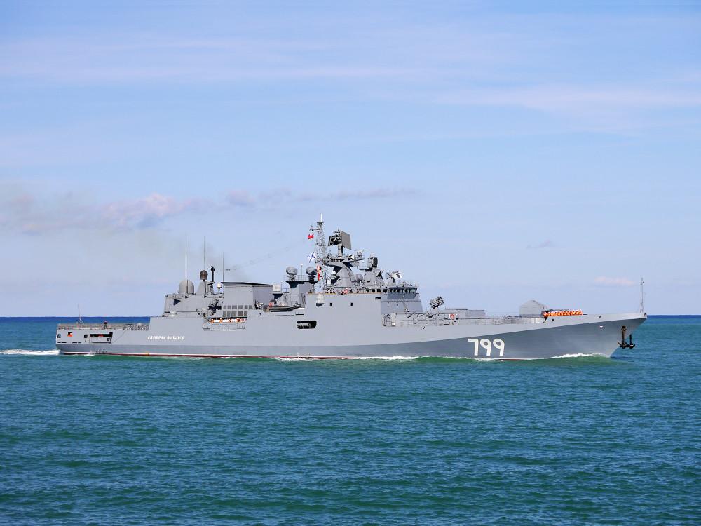 05-6736885-admiral-makarov-03-big