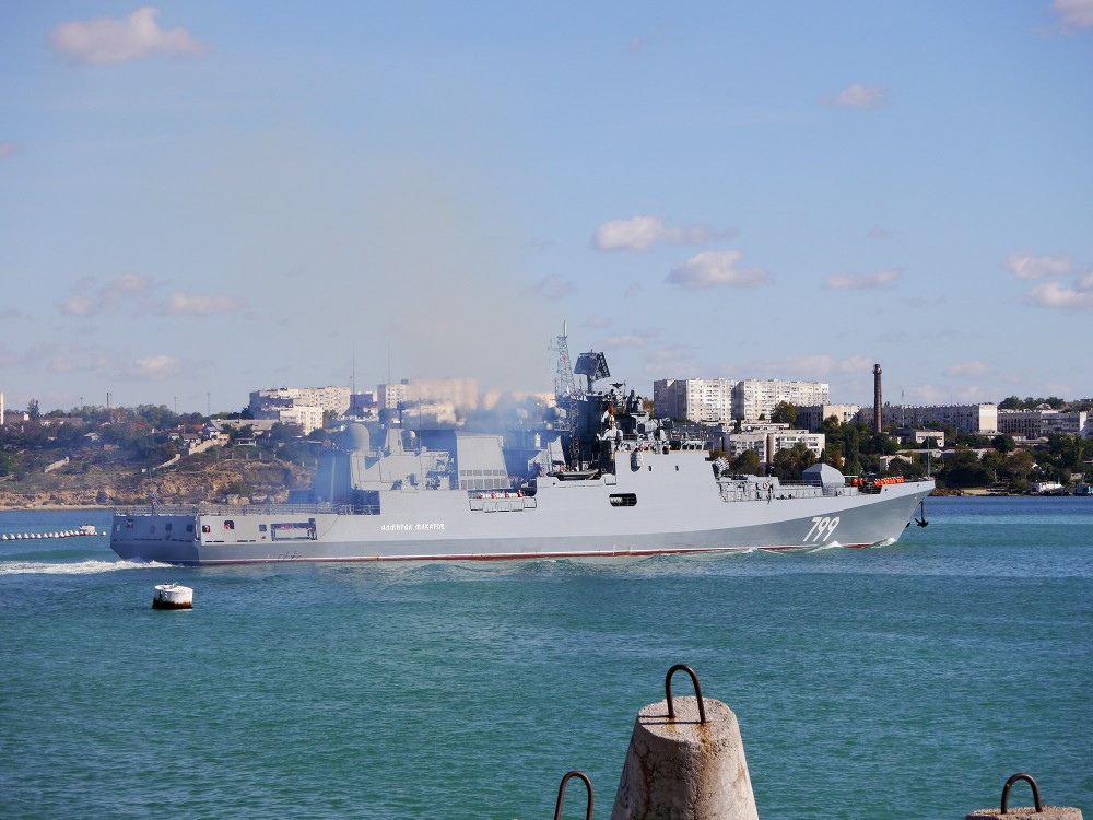 05-6736885-admiral-makarov-05-big