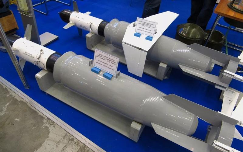 Корректируемые авиационные бомбы украинской фирмы «Адрон» на основе советских бомб М-54 и М-62