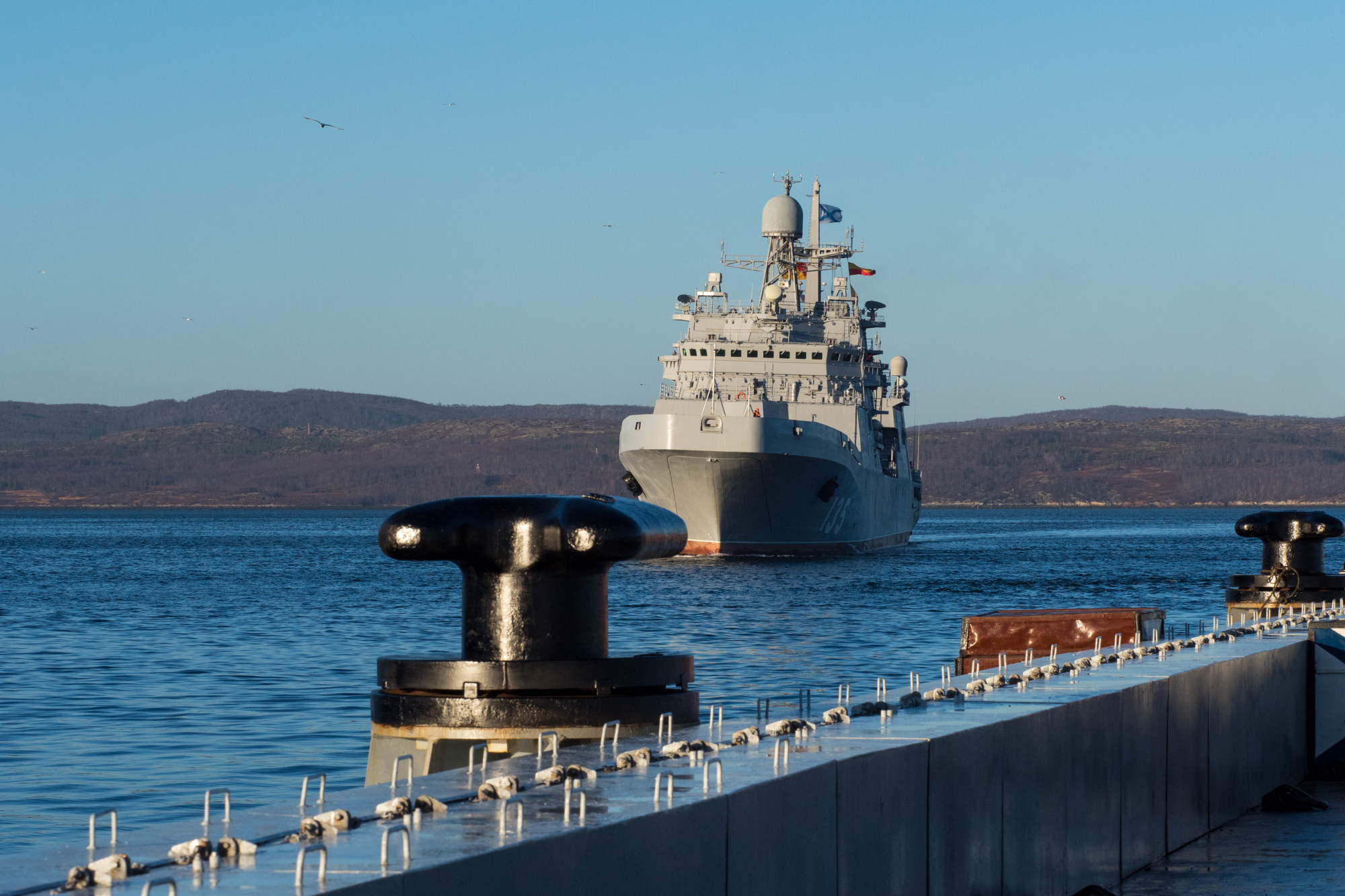 Большой десантный корабль «Иван Грен» прибыл к месту базирования на Северный флот