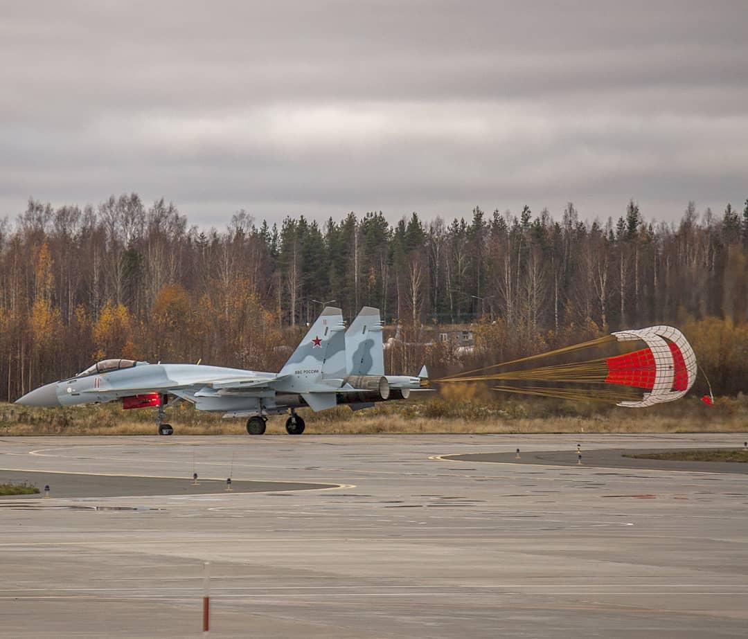Бесовец получил еще три истребителя Су-35С