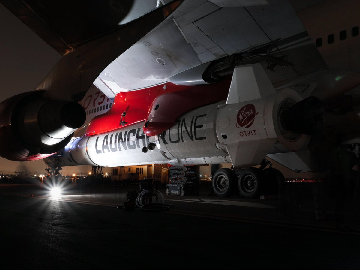 Самолет Boeing 747 компании Virgin Orbit с ракетой-носителем LauncherOne