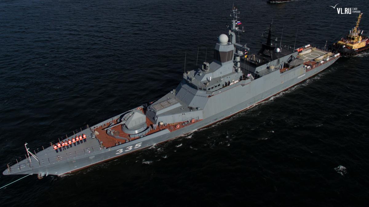 Корвет «Громкий» вышел в море из Владивостока