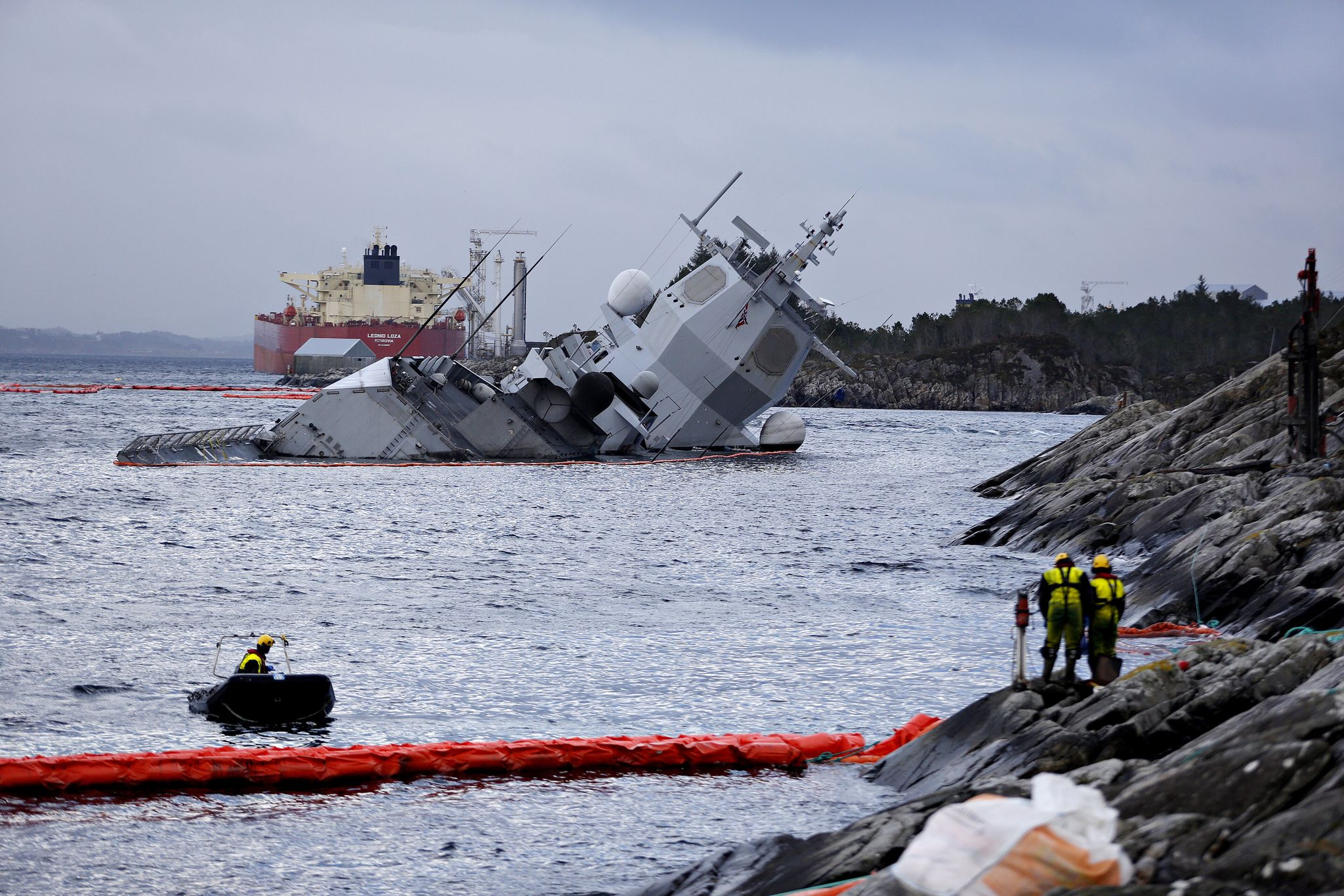 Затопленный норвежский фрегат Helge Ingstad