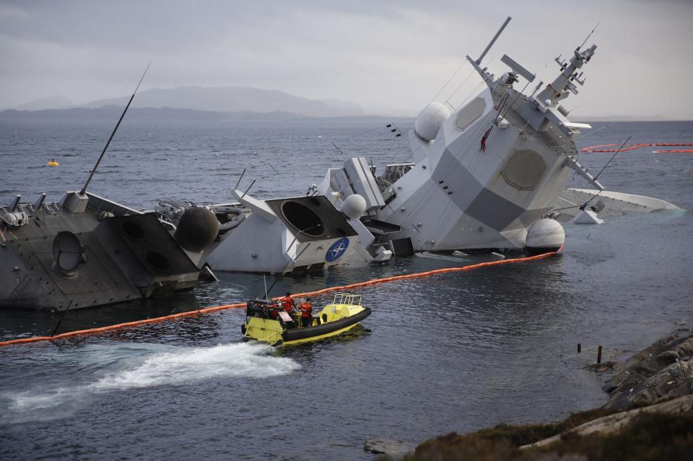Затопленный норвежский фрегат Helge Ingstad фрегат, Helge, танкером, коммерческим, Ingstad, wwwaftenpostenno, терминала, нефтяного, районе, Норвегии, Затопленный, Martin, 12112018, результате, Nansen, IngstadтипаFridtjof, столкновения, НорвегииF, Strande, ноября