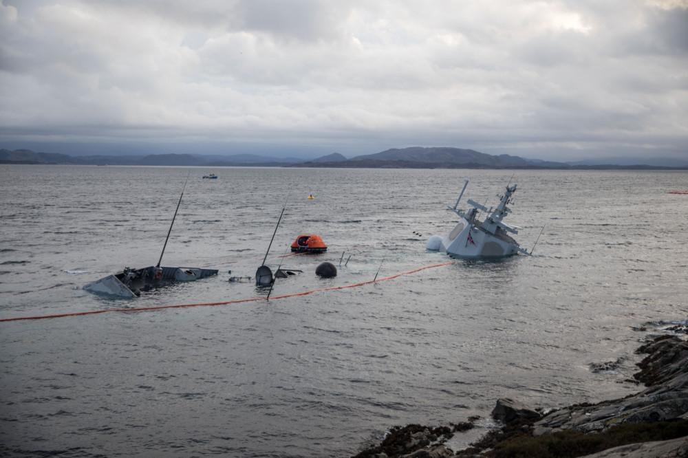 Норвежский фрегат Helge Ingstad полностью затонул IRSf_JyVXuN_I-8qYZc4ywIC3Wx0t96ULtant-TA4FKA
