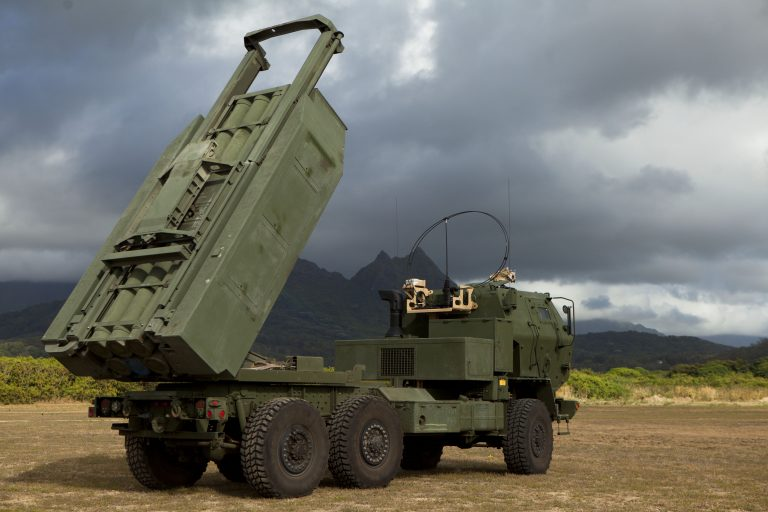 Польша получит 20 боевых машин американского ракетного комплекса HIMARS