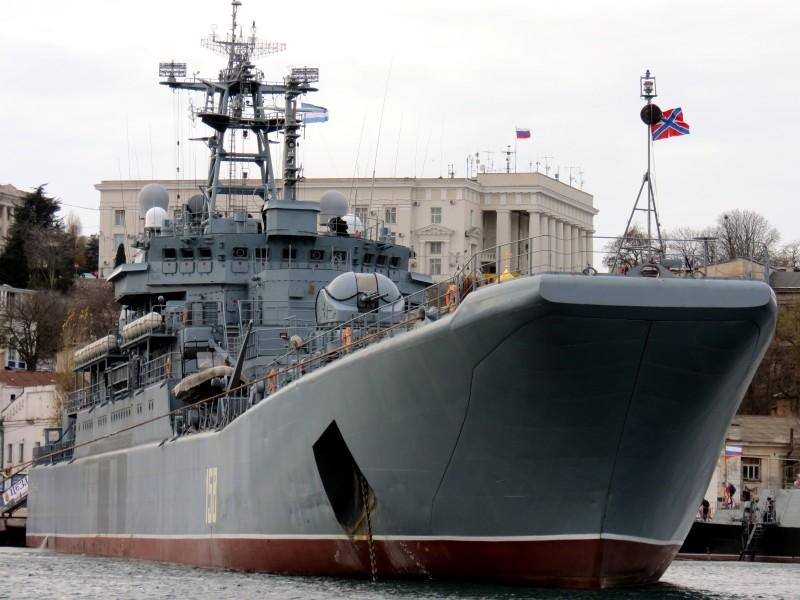 Оснащение больших десантных кораблей Черноморского флота системами спутниковой связи
