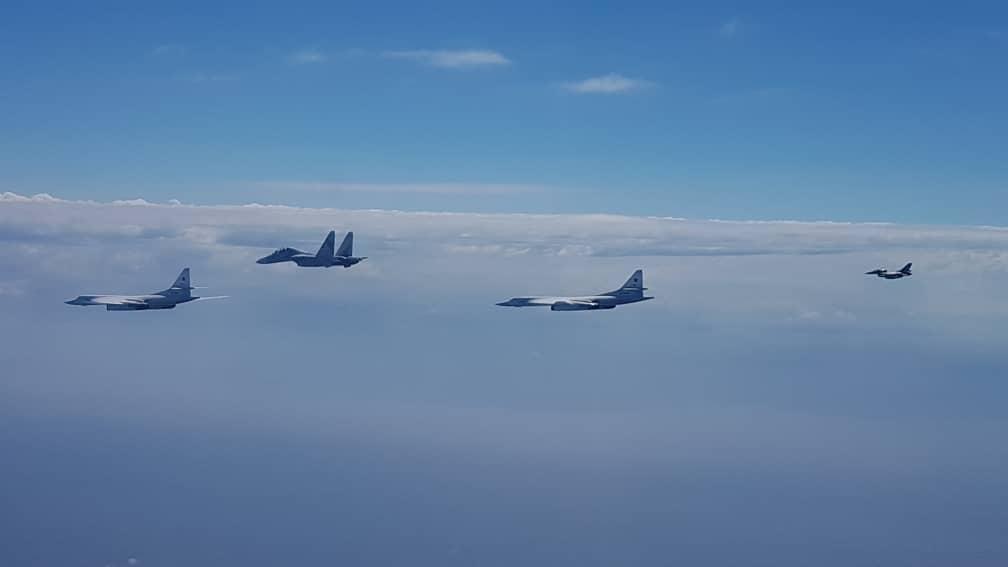Ракетоносцы Ту-160 ВКС России провели патрулирование воздушного пространства Венесуэлы