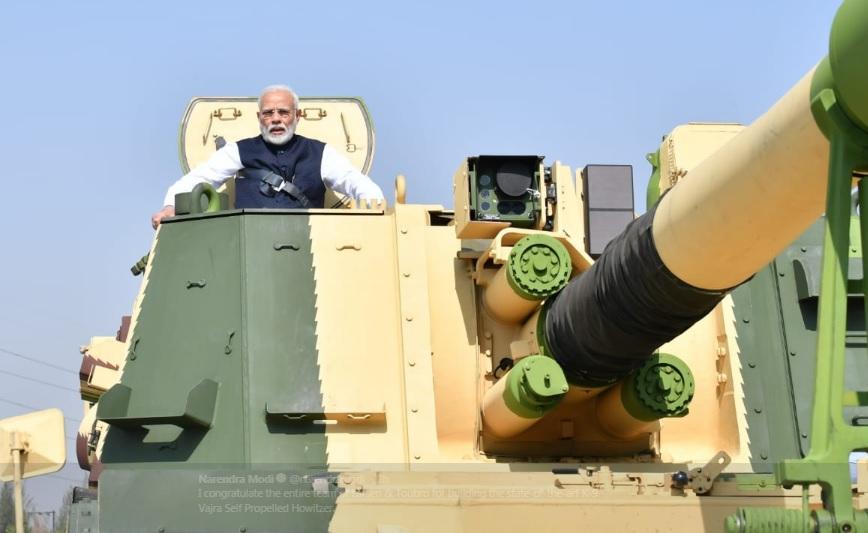 Премьер-министр Индии Моди посетил производственный комплекс Larsen & Toubro (L&T) в Хазира
