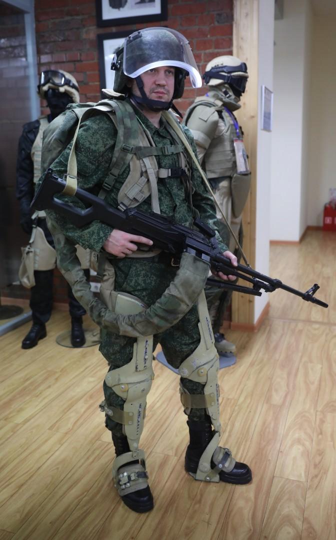 Военный экзоскелет разработки АО «ГБ Инжиниринг»