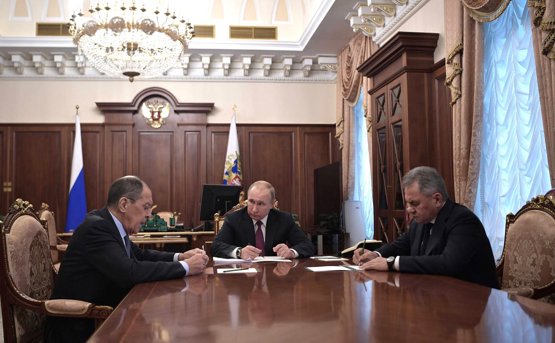 Россия приостанавливает участие в Договоре о ракетах средней и меньшей дальности