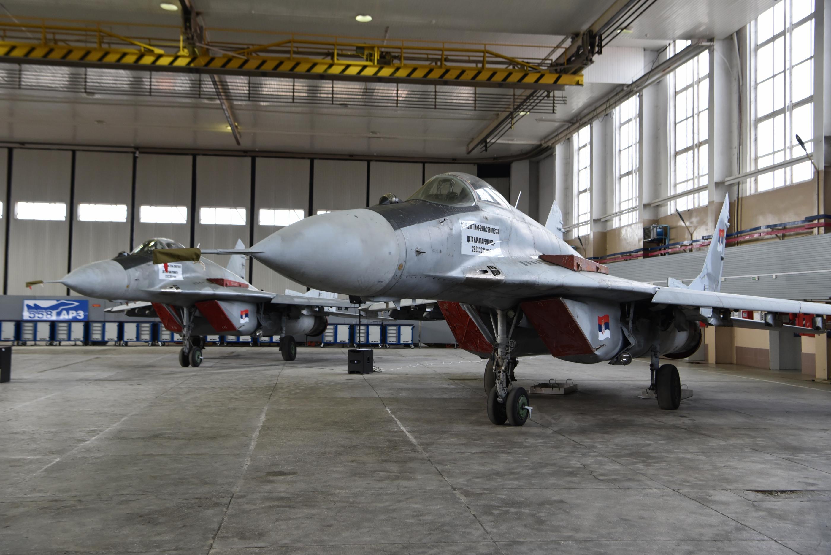 Белоруссия передала Сербии четыре истребителя МиГ-29