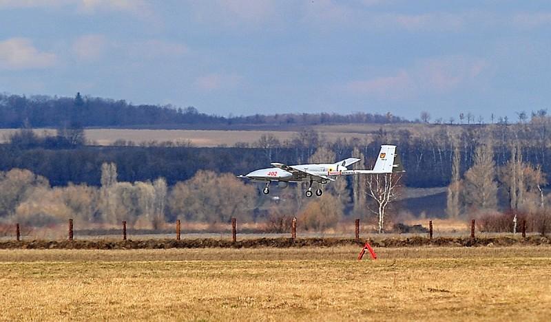 وفد أوكراني يبحث شراء طائرات بدون طيار تركية الصنع 6666787_original