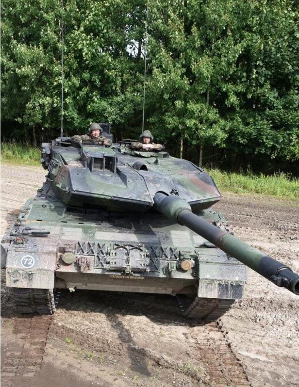 Германия модернизирует еще 101 танк Leopard 2 в вариант Leopard 2A7V