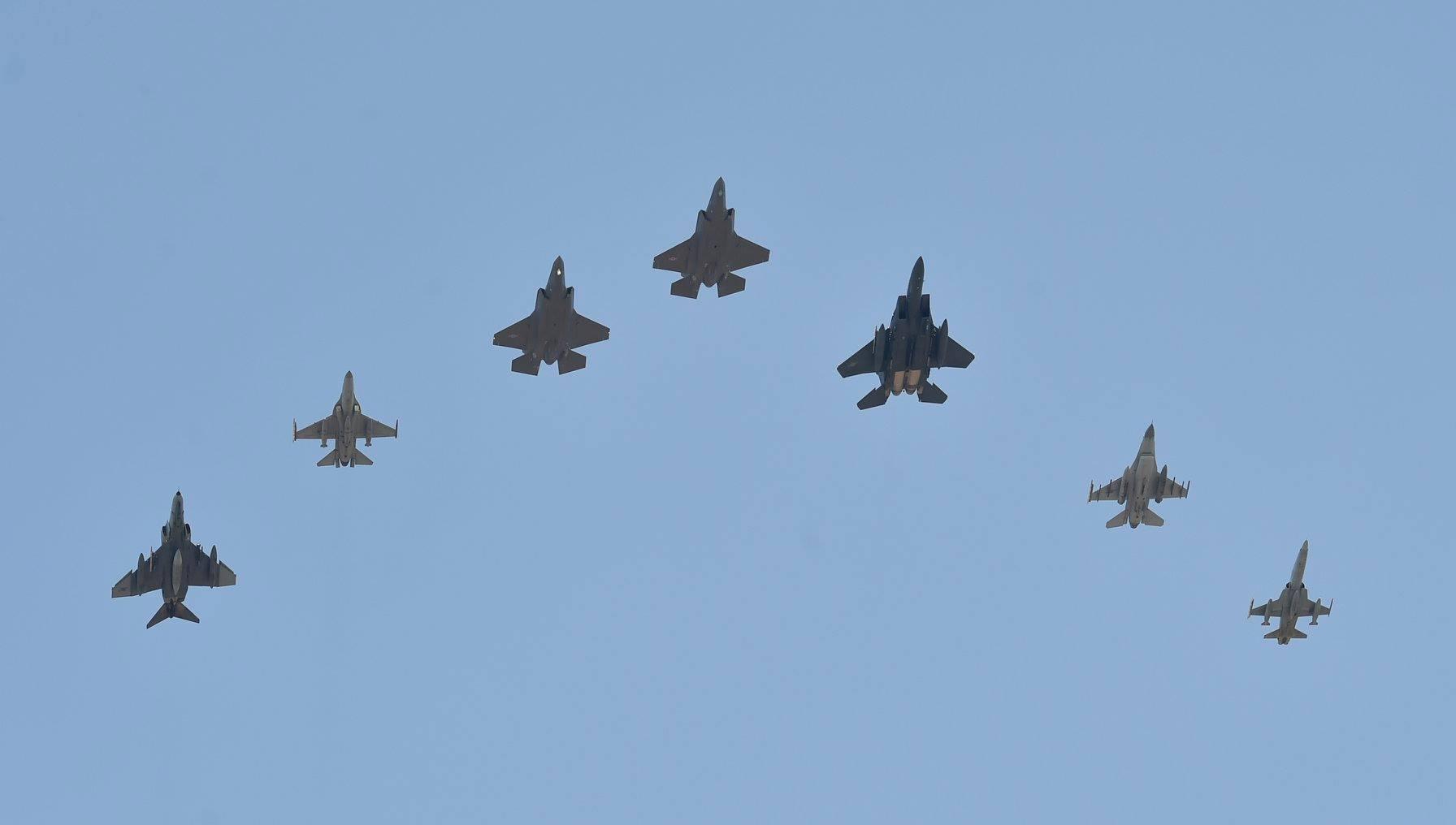 Южная Корея получила первые два истребителя F-35A