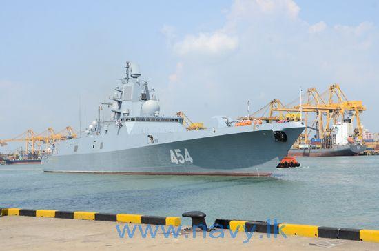 Фрегат «Адмирал Флота Советского Союза Горшков» на Шри-Ланке