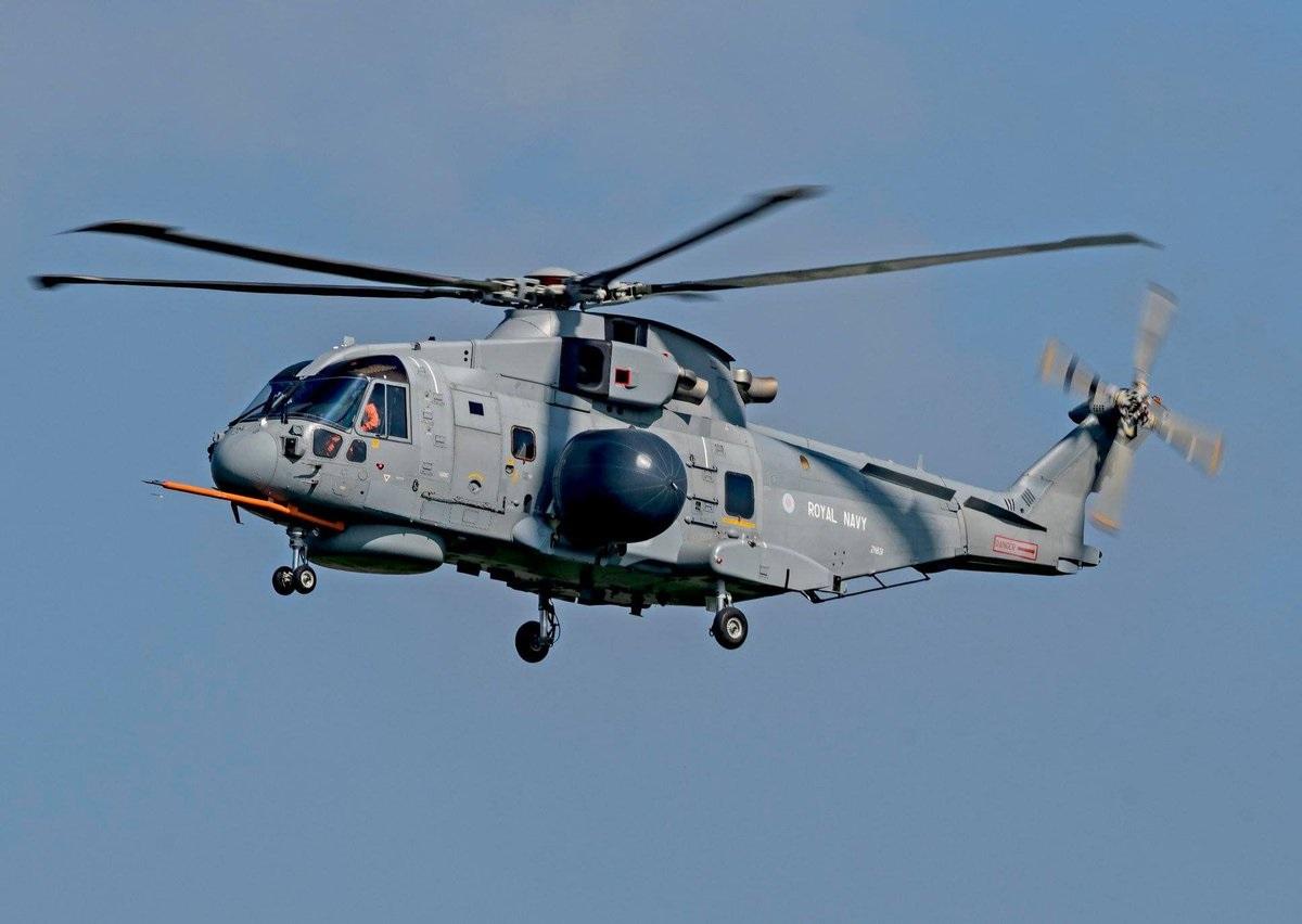 Первый британский палубный вертолет ДРЛО комплекса Crowsnest