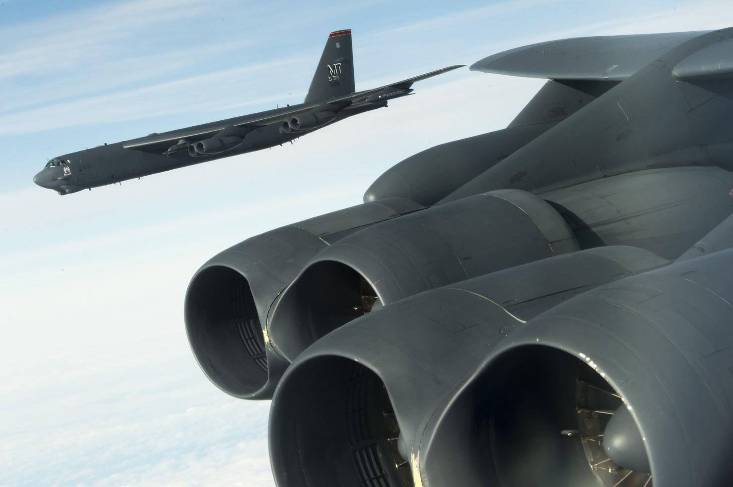 Контракт на модернизацию систем вооружения американских стратегических бомбардировщиков В-1В и В-52Н