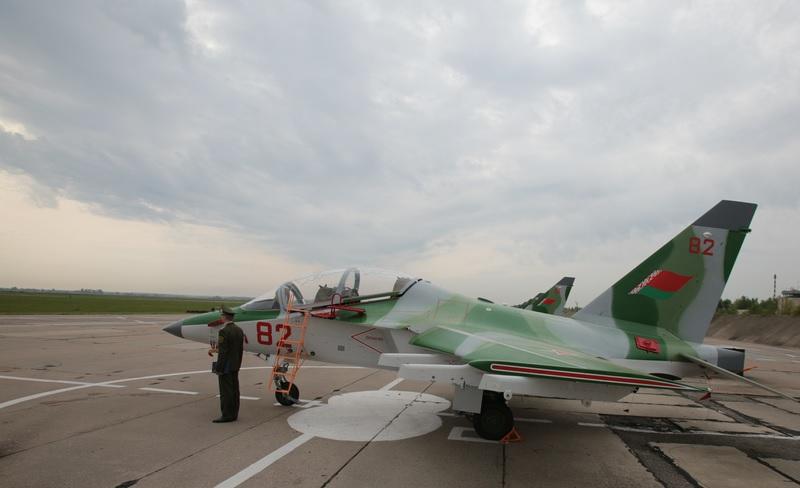 Белоруссия получила еще четыре учебно-боевых самолета Як-130
