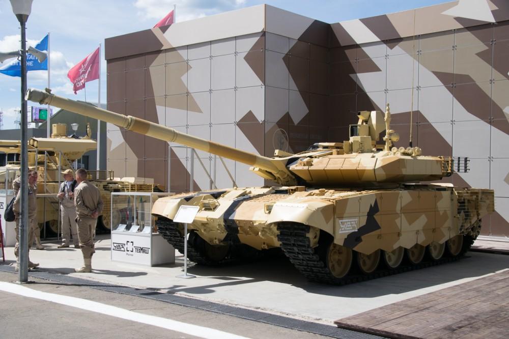 Министерство обороны Индии выдало контракт на производство 464 танков Т-90МС