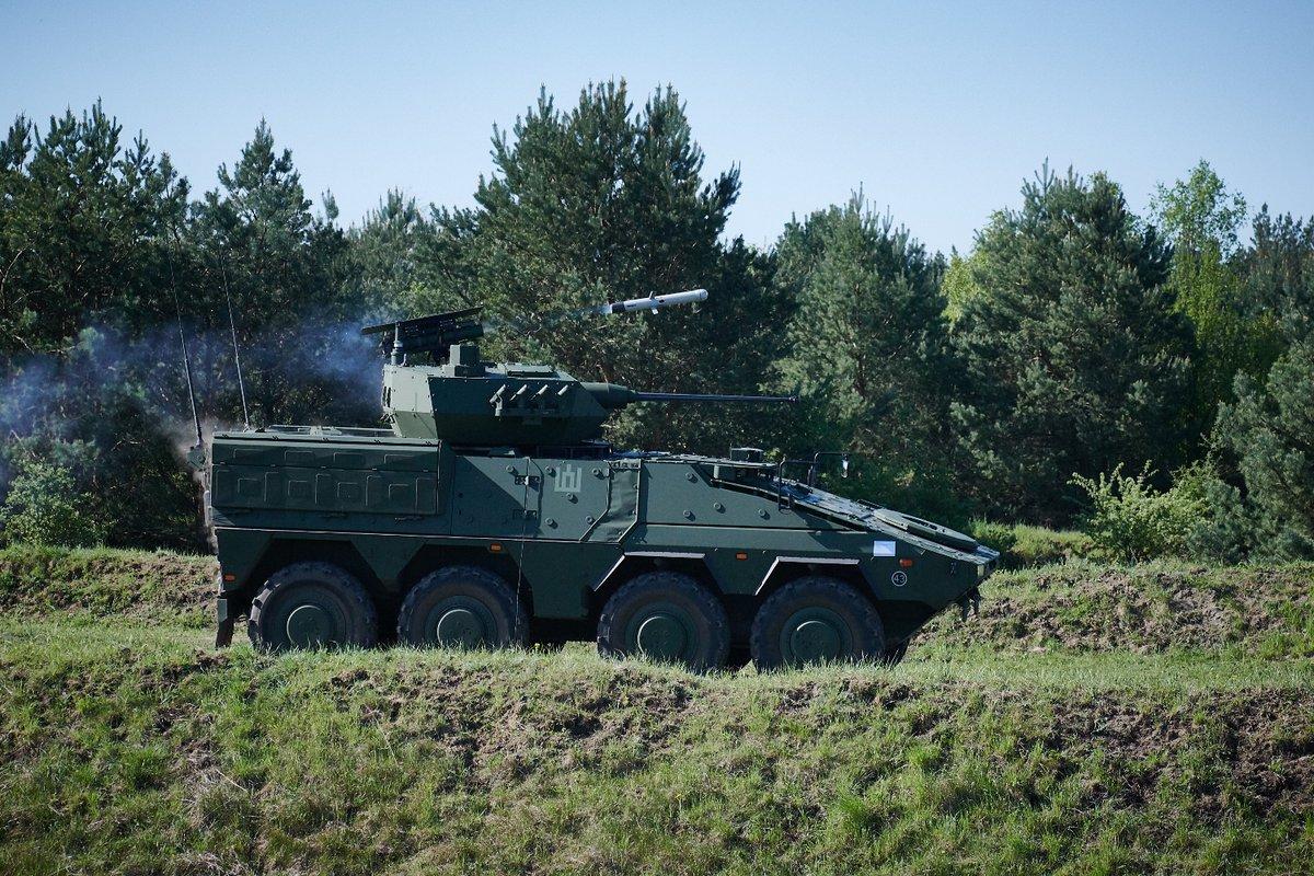 В Литву доставлены первые два линейных бронетранспортера Boxer