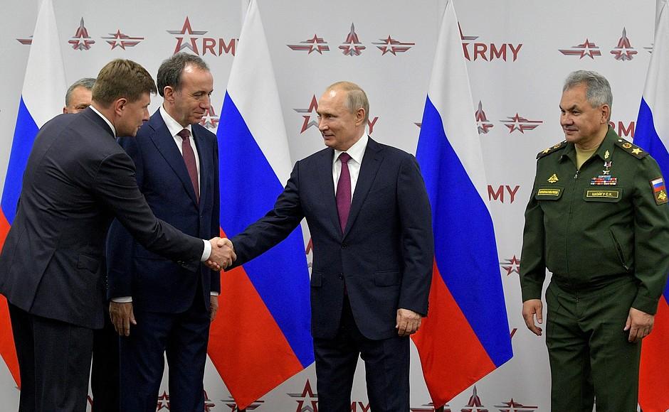 """На форуме """"Армия-2019"""" подписаны государственные контракты на сумму более 1 триллиона рублей"""