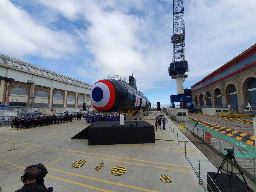 فرنسا تطلق الغواصة الهجومية النووية Suffren بحضور ماكرون 7073590_original